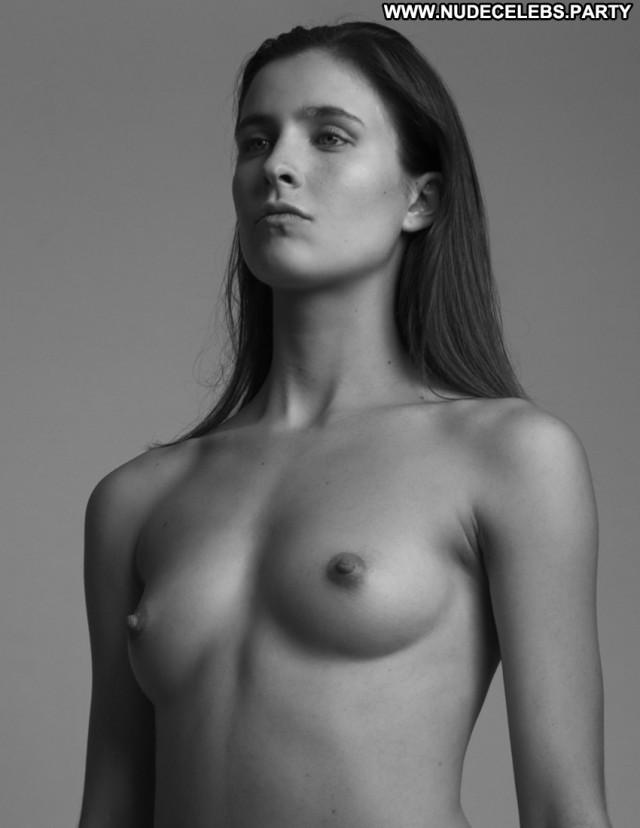 Alyssia Mcgoogan Black And White Cute Black Nude Celebrity Sultry