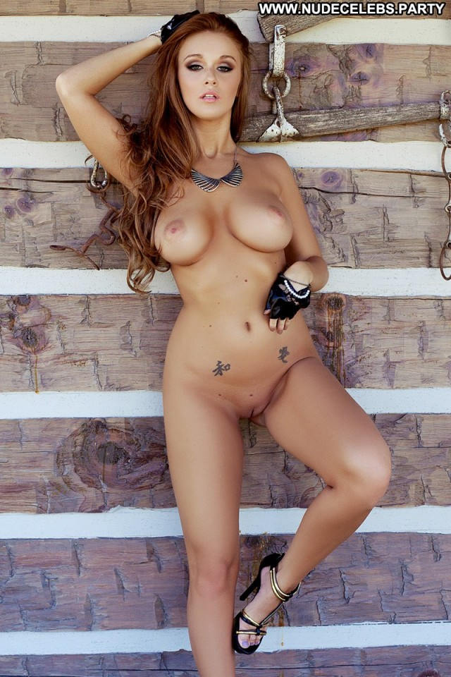 Leanna Decker Full Frontal Celebrity Cute Sultry Big Boobs Boobs Big