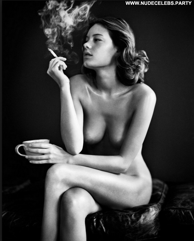 Camille Rowe Black And White Boobs Big Tits Videos Nude Black Big
