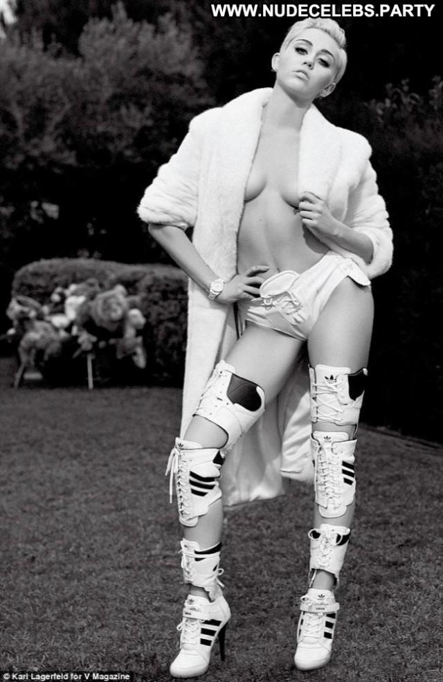 Miley Cyrus V Magazine Nude Sensual Videos Celebrity Topless Magazine