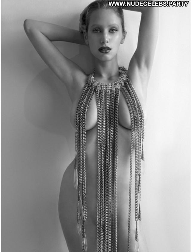 Dylan Penn Photo Shoot Nude Boobs Celebrity Big Tits Big Boobs Hot