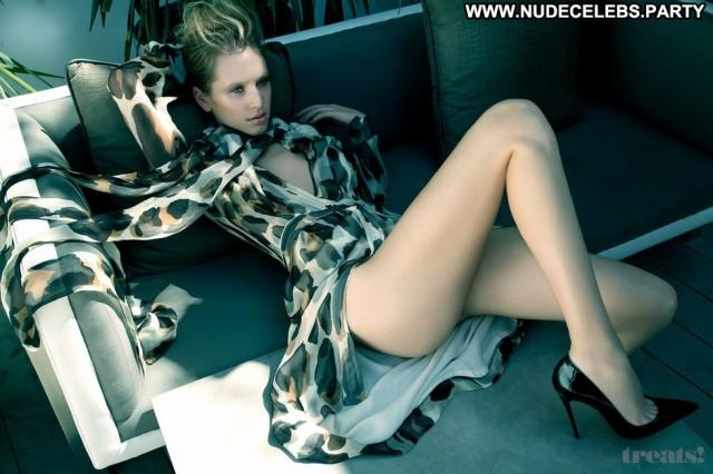 Dylan Penn Photo Shoot Sensual Big Tits Hot Big Boobs Doll Nude
