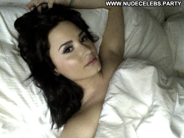 Demi Lovato Photo Shoot Leaked Nude Cell Phone Pretty Brunettes