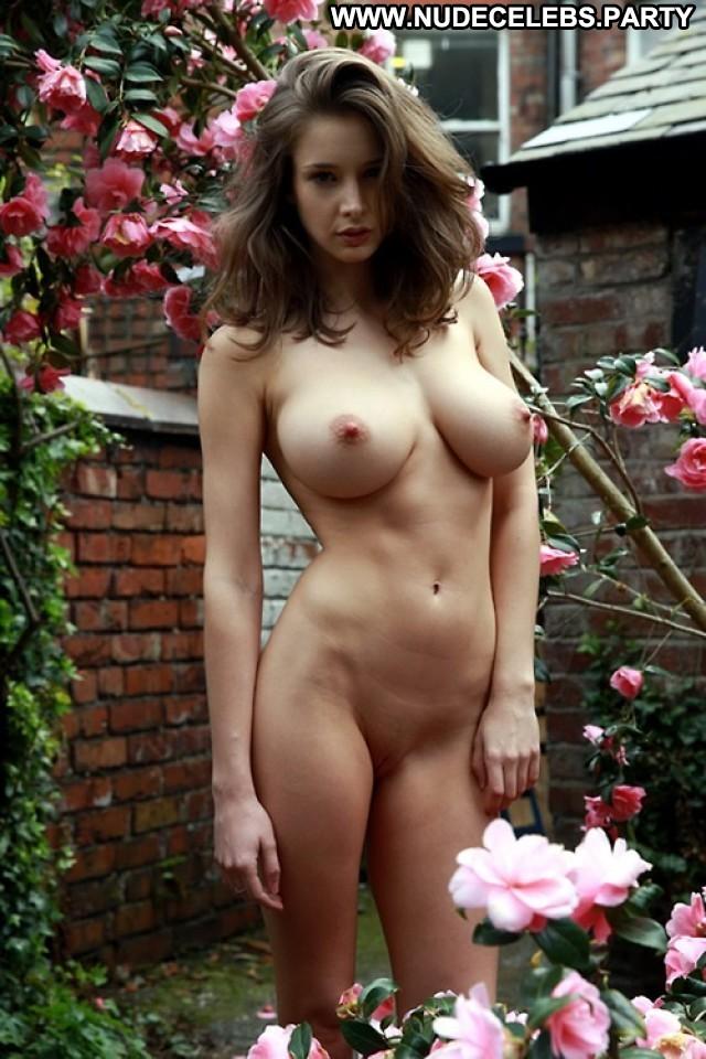 Emily Shaw Photo Shoot Big Tits Beautiful Glamour Celebrity Boobs Big