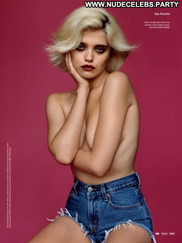 Sky Ferreira Photo Shoot Posing Hot Stunning Uk Celebrity Beautiful