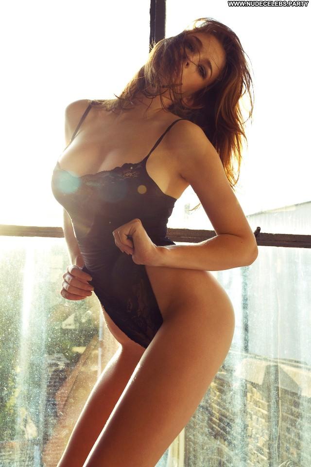 Emily Shaw Photo Shoot  Boobs Celebrity Hot Big Boobs Cute Topless