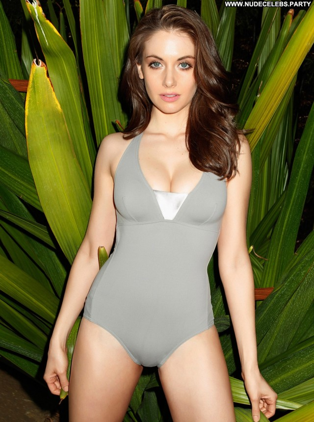 Alison Brie Photo Shoot  Celebrity Brunettes Pretty Doll Posing Hot