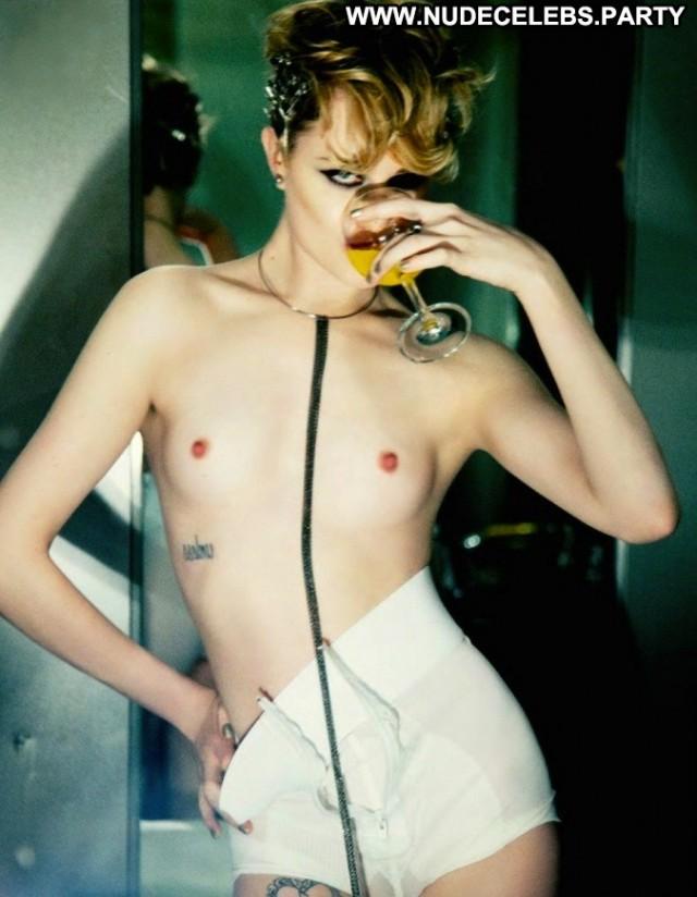 Evan Rachel Wood Photo Shoot Doll Nude Celebrity Beautiful Pretty