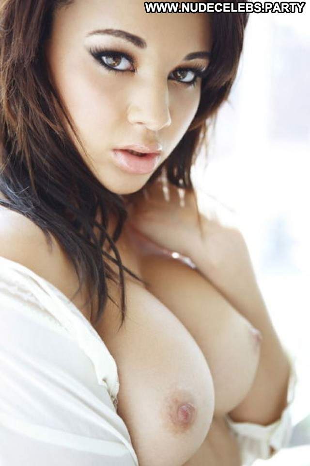 Courtnie Barely Legal Big Boobs Boobs Big Tits British Celebrity Nude