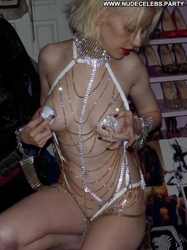 Christina Aguilera Christina Posing Hot Sexy Leaked Celebrity Sensual