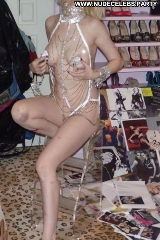 Christina Aguilera Christina Posing Hot Nude Leaked Blondes Celebrity