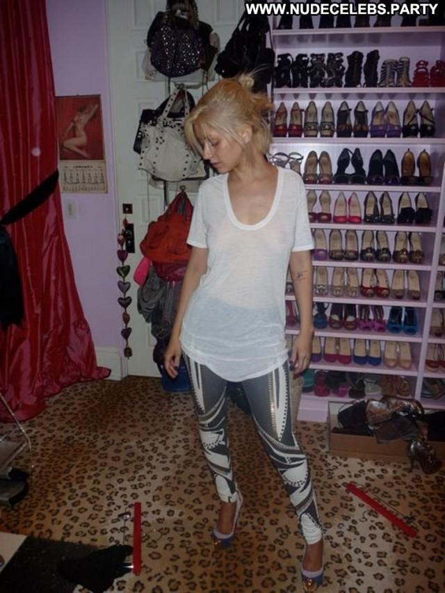 Christina Aguilera Christina Nude Posing Hot Leaked Sensual Blondes