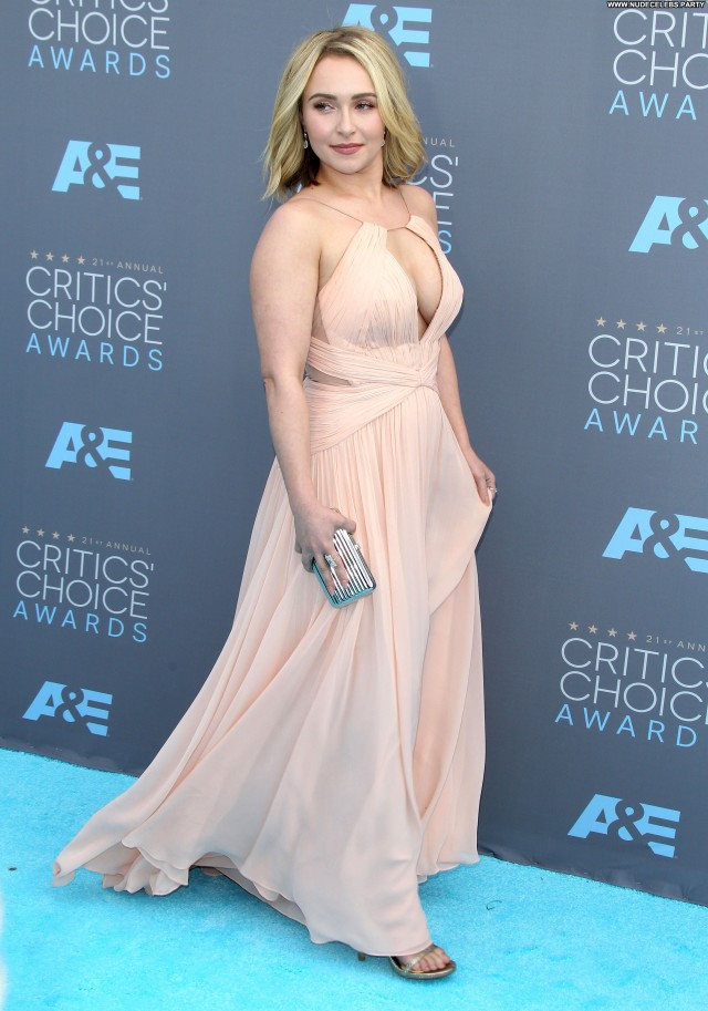 Hayden Panettiere Critics Choice Awards Sexy Doll Gorgeous Posing Hot