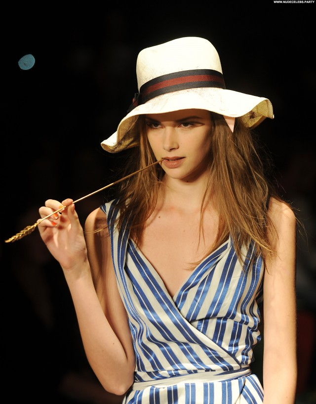 Emma Ishta Beverly Hills Sensual Celebrity Doll Gorgeous Nice Posing