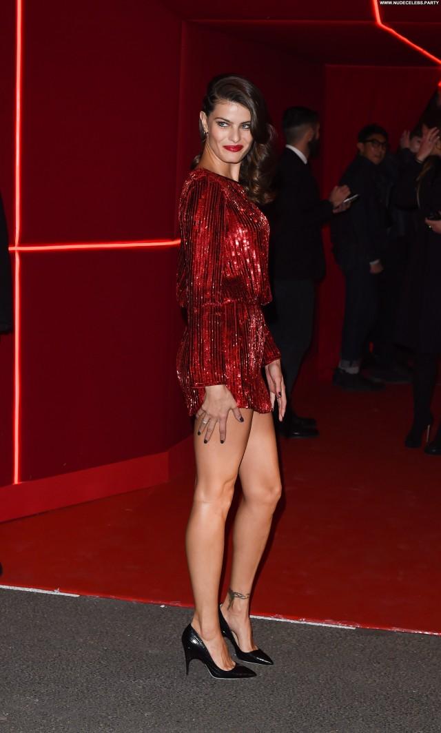 Isabelli Fontana Beverly Hills Sexy Fashion Paris Sensual Beautiful