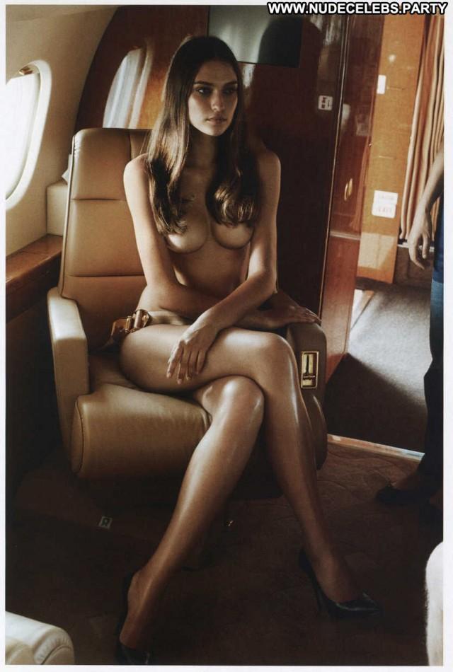 Fernanda Liz Cavegirl France Gorgeous Sensual Brazilian Celebrity