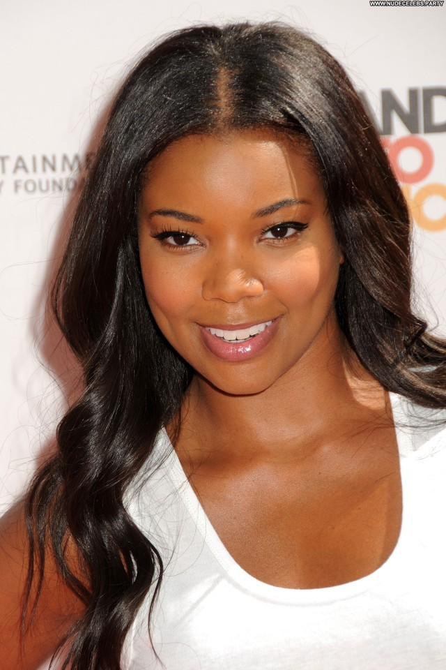 Gabrielle Union Shopping Celebrity Posing Hot Stunning Sultry Sensual