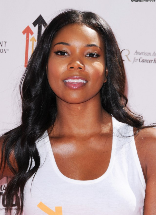 Gabrielle Union Shopping Sensual Doll Posing Hot Sultry Celebrity