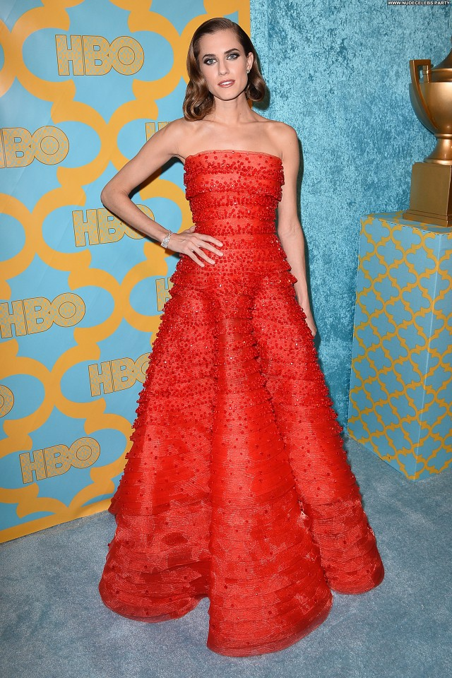 Allison Williams Golden Globe Awards  Party Doll Awards Celebrity
