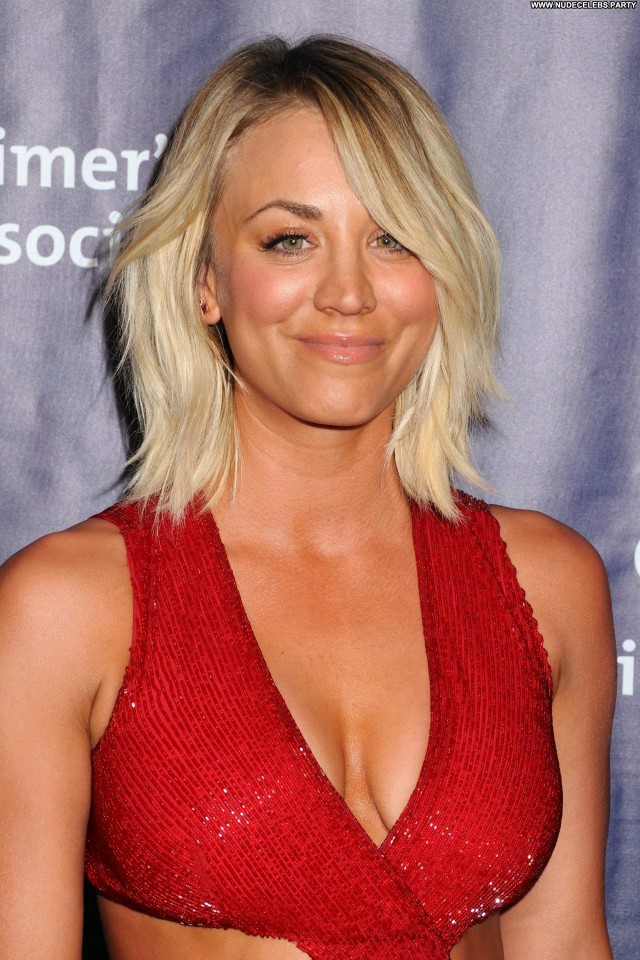 Kaley Cuoco Beverly Hills Sexy Gorgeous Celebrity Hot Posing Hot