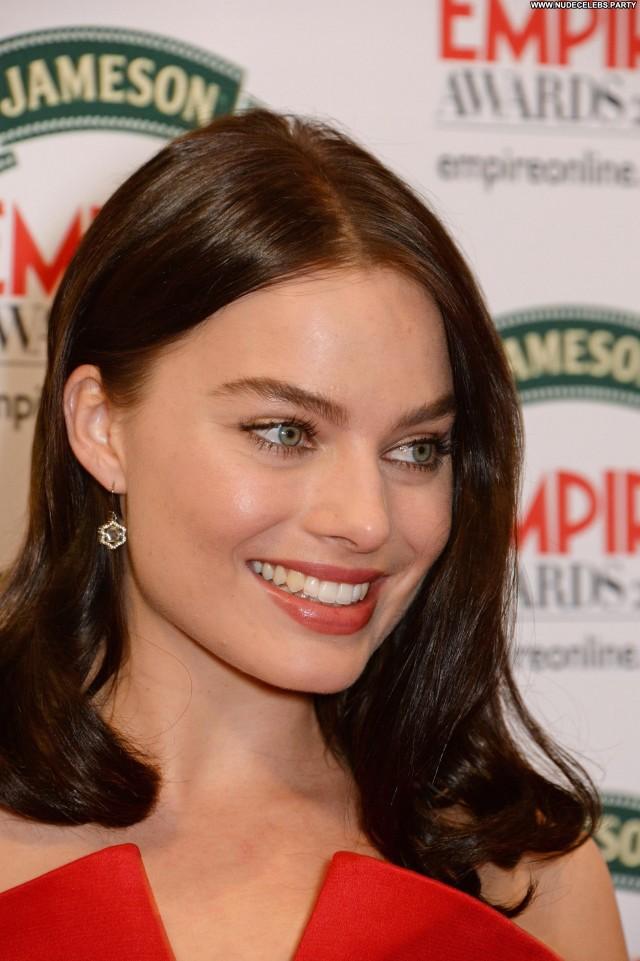 Margot Robbie Beautiful Beautiful Gorgeous Sexy Cute Posing Hot