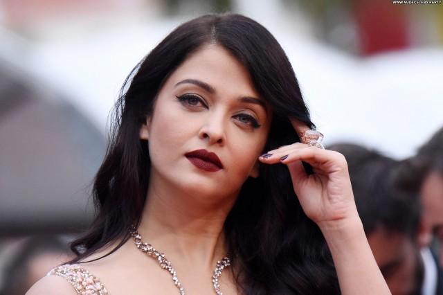 Aishwarya Rai Cannes Film Festival Celebrity Doll Posing Hot Cute