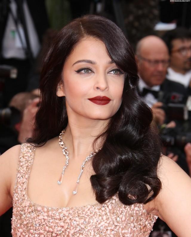 Aishwarya Rai Cannes Film Festival  Celebrity Doll Posing Hot Nice
