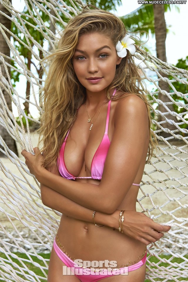 Gigi Hadid Sports Illustrated Swimsuit Issue Doll Blonde Sexy Medium