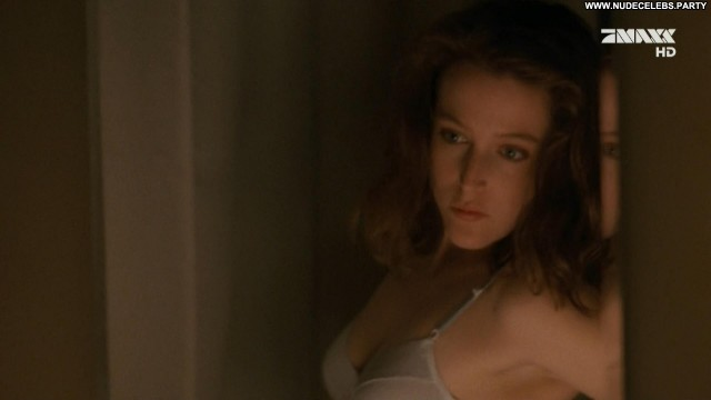 Gillian Anderson The X Files International Cute Redhead Sexy Medium