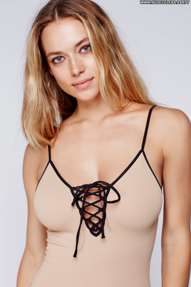 Hannah Ferguson No Source Celebrity Photoshoot Posing Hot Babe