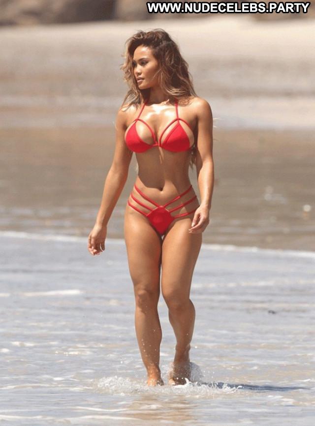 Daphne Joy The Beach Babe Sexy Beautiful Posing Hot Hot Celebrity