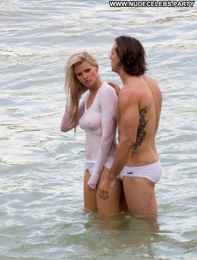 Lara Stone No Source Posing Hot Photoshoot Shirt Babe Beautiful Wet