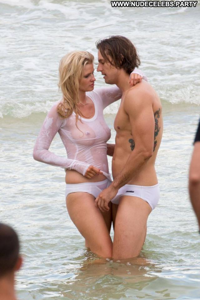 Lara Stone No Source Hot Beautiful Celebrity Babe Photoshoot Shirt