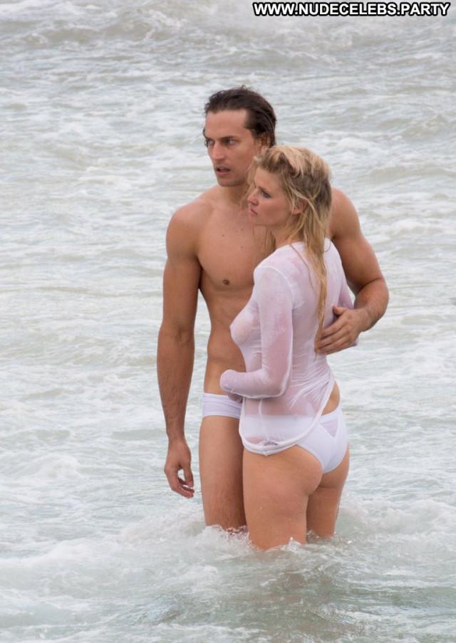 Lara Stone No Source Babe Hot Beautiful Posing Hot Celebrity Shirt