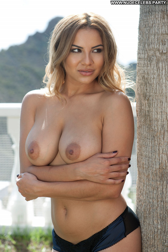 Vanessa Paradis No Source India Babe Celebrity Boobs Beautiful Big