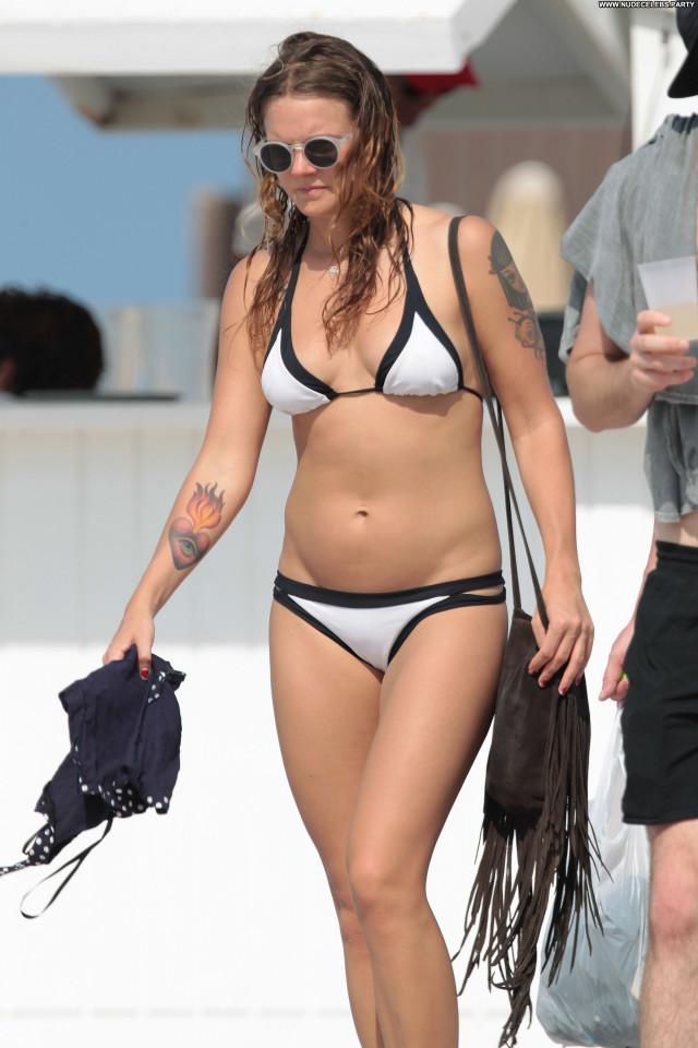 Tove Lo The Beach Singer Babe Bikini Nice Posing Hot Celebrity