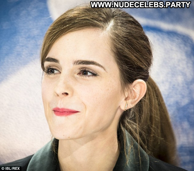 Emma Watson Babe Posing Hot Beautiful Beautiful Celebrity