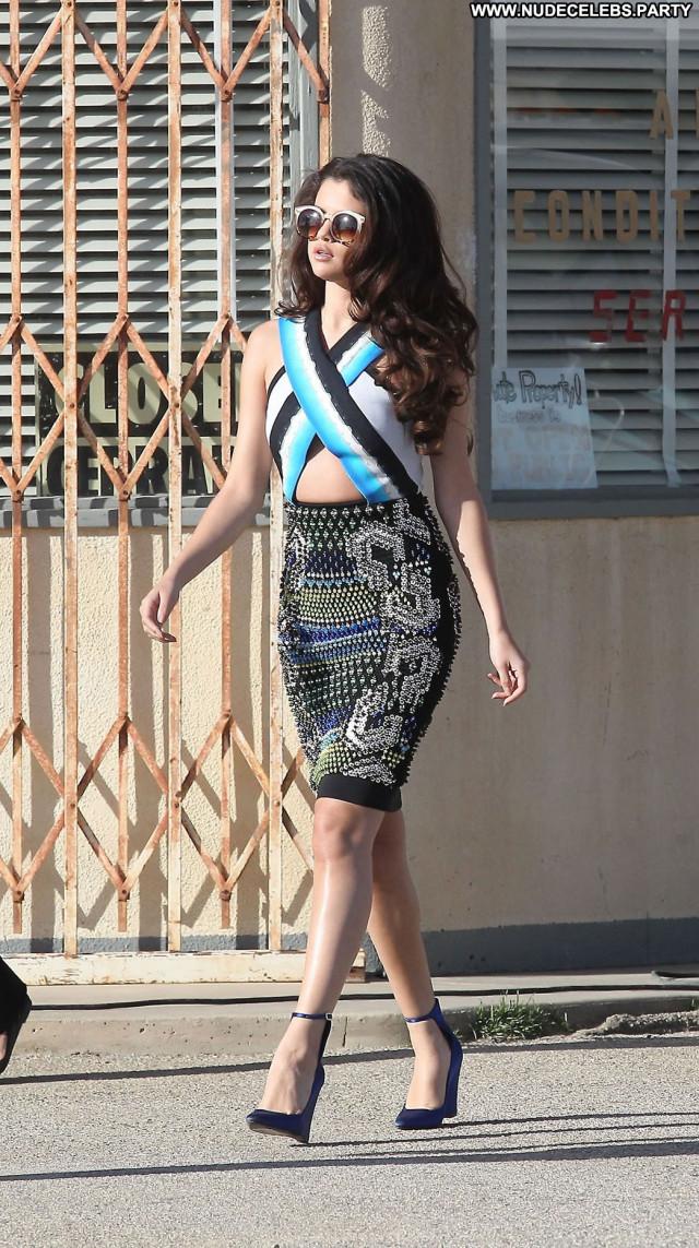 Selena Gomez Beautiful Celebrity Legs Babe Posing Hot