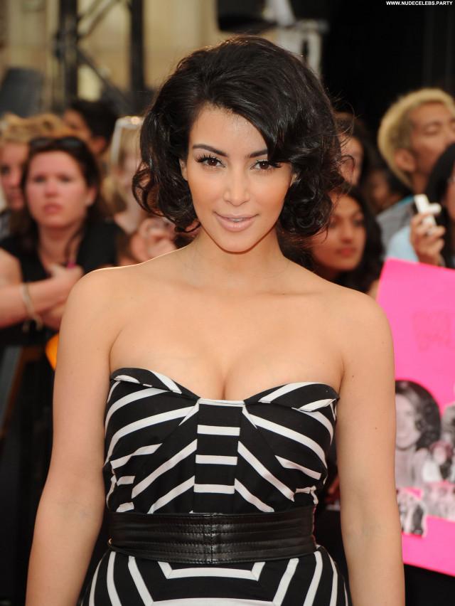 Kim Kardashian The Red Carpet Celebrity Awards Babe Beautiful Posing