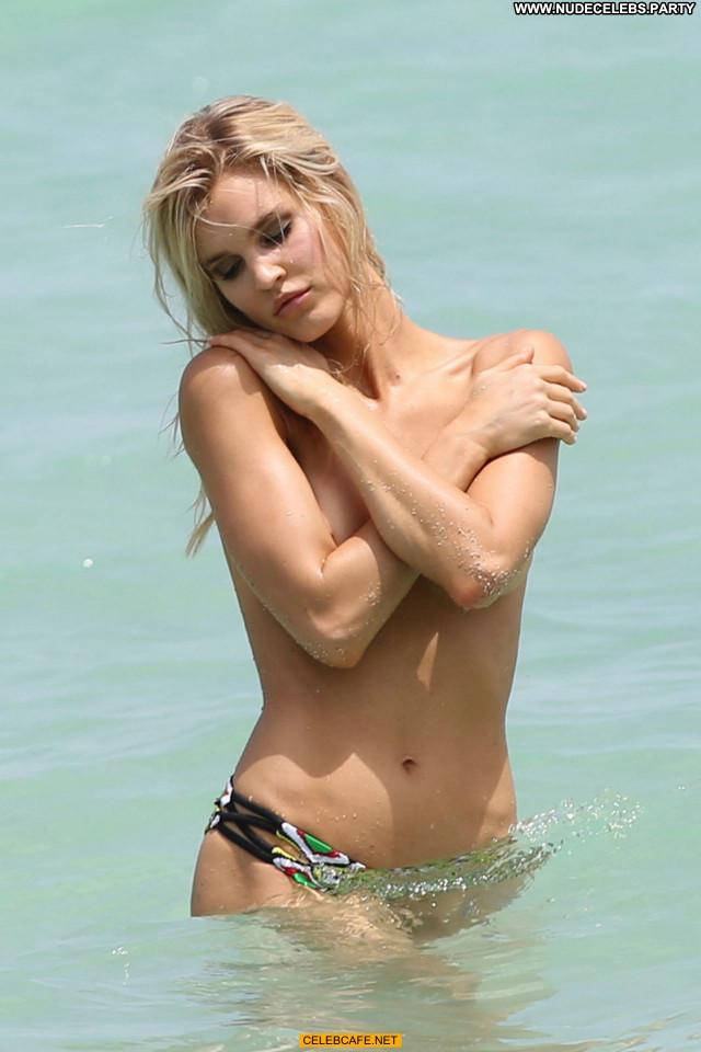 Joy Corrigan No Source Babe Celebrity Bikini Posing Hot Topless