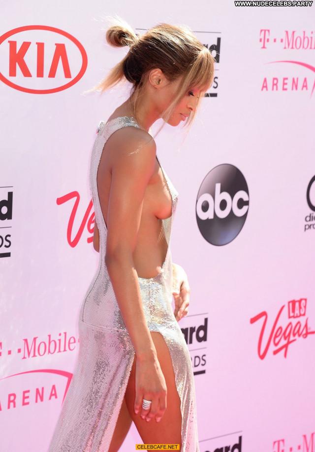 Ciara No Source Beautiful Sideboob Celebrity Posing Hot Babe Awards