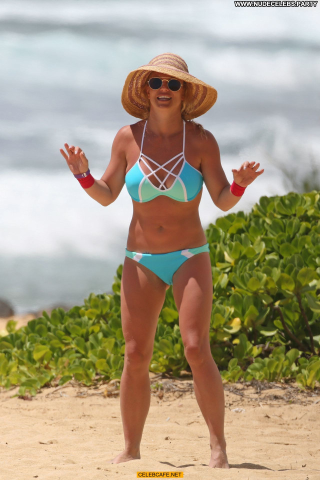 Britney Spears No Source  Babe Celebrity Hawaii Beautiful Posing Hot