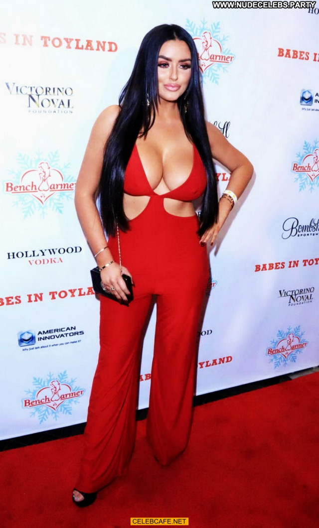 Abigail Ratchford No Source Toy Party Babes Babe Posing Hot Cleavage