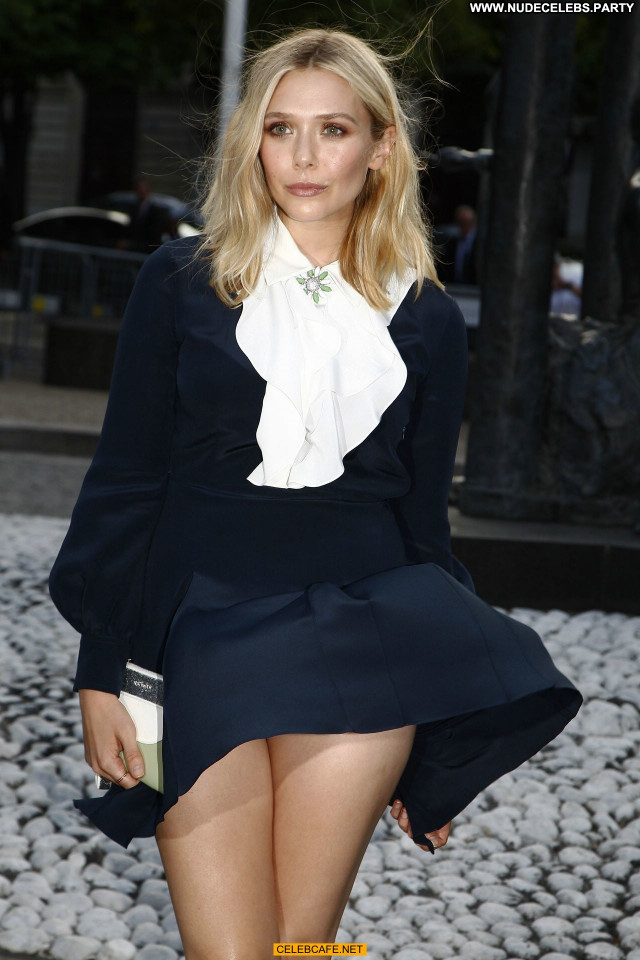 Elizabeth Olsen No Source Upskirt Paris Pants Posing Hot Beautiful