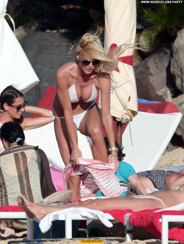 Victoria Silvstedt No Source Bar Posing Hot Beautiful Sexy Sex Babe