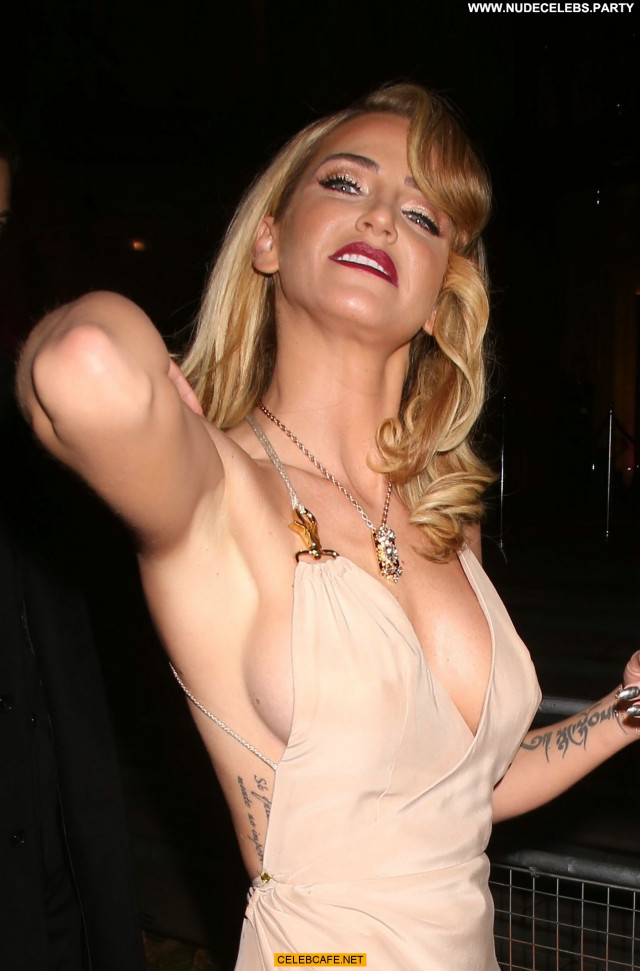 Sarah Harding No Source Upskirt Posing Hot Beautiful Cameltoe Pants
