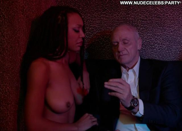 Xian Bass Head On Big Tits Posing Hot Babe Smile Celebrity Stripper