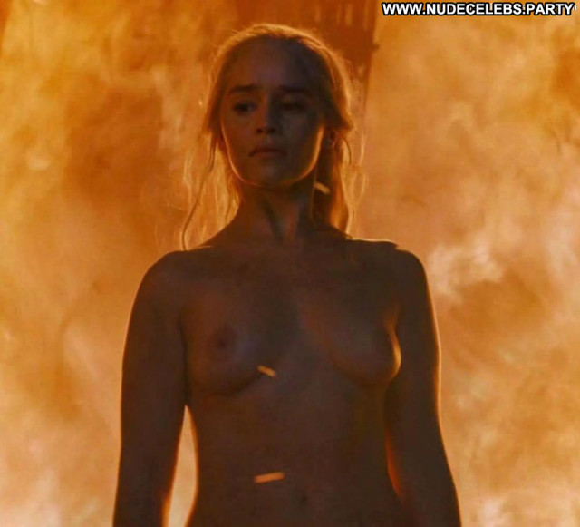 Emilia Clarke Game Of Thrones Babe Celebrity Fantasy Hot Babe Tits