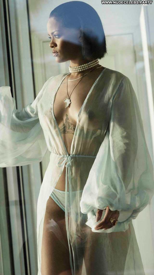 Rihanna The Rig Nipples Shy Beautiful Tits Celebrity Singer Panties