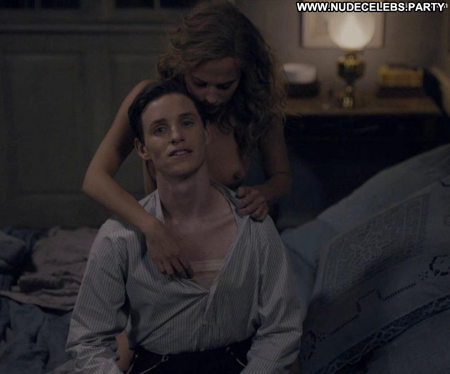 Alicia Vikander Ex Machina Bed Breasts Live Big Tits Posing Hot Big